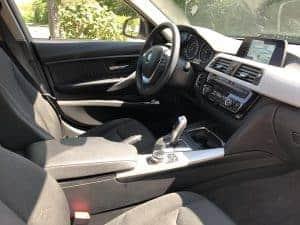 Das Cockpit des BMW318i